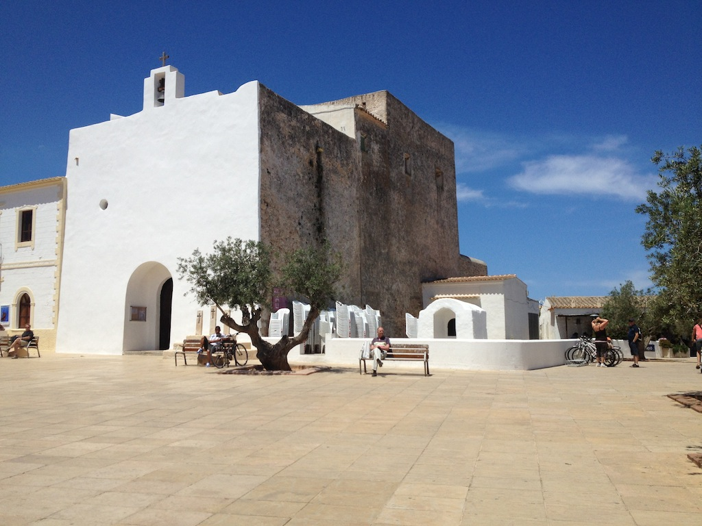 Hotel e appartamenti turistici a Formentera: guida alle ...